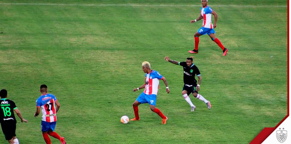 Los goles de Edson Rivas, Wilson Mena y José Rivas, le permitieron al académico remontar un resultado adverso